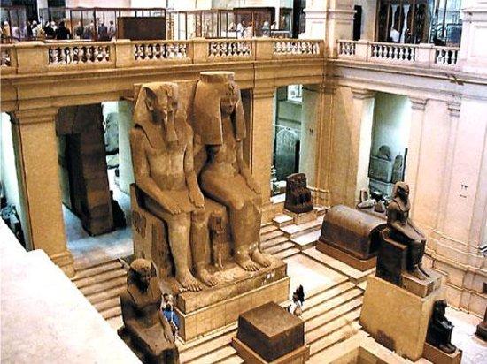 متحف الموجوهرات الملكية با الاسكندرية Symmetry-of-king-ramses