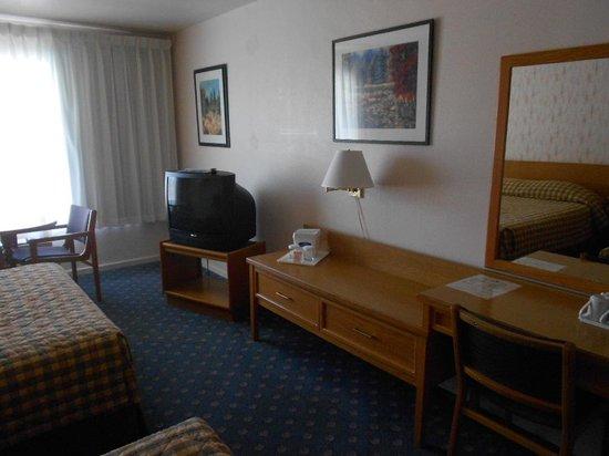Howard Johnson Hotel - Nanaimo Harbourside: 2014 Aug, Ho Jo Nanaimo p2