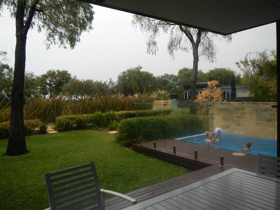Aqua Resort Busselton: Bayview ground, with plunge pool