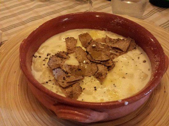 Gnocchetti con crema di parmigiano e tartufo