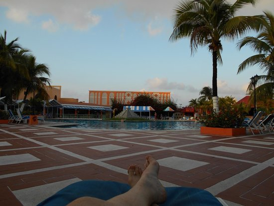 Hotel Cozumel and Resort: The view from my chaise lounge by the pool