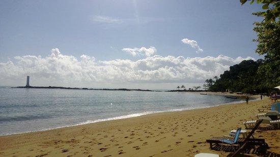 Pousada Villa Maeva: Praia em frente a pousada.