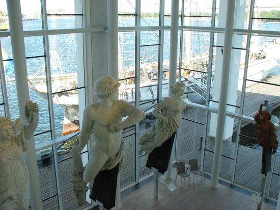Marine Museum Karlskrona: Famous figureheads on display.
