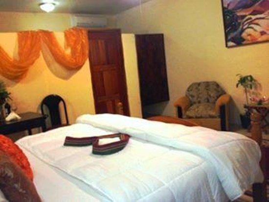 Super Palm Resort: Premium Bedding, Great value, free Breakfast