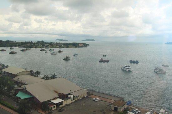 Le Meridien Kota Kinabalu: view from ocean view room