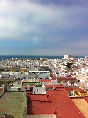 depuis le 1er étage - Picture of Torre Tavira, Cadiz ...