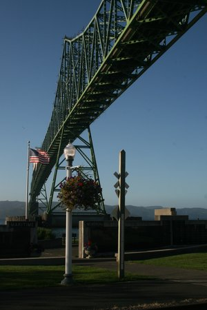 Astoria-Megler Bridge: Looking back toward the Washington side