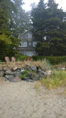 BriMar Bed and Breakfast: BriMar from the beach