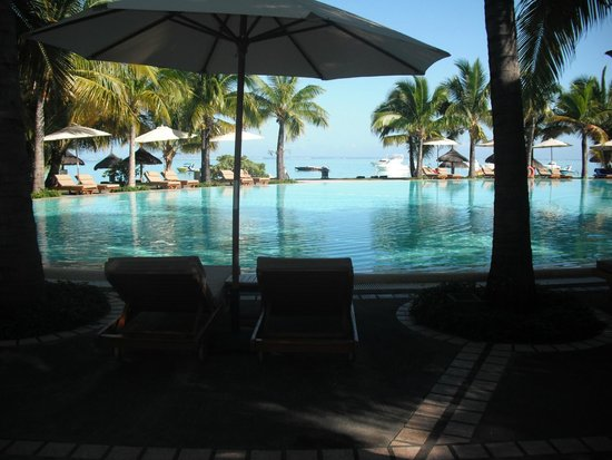 Paradis Beachcomber Golf Resort & Spa : Piscina