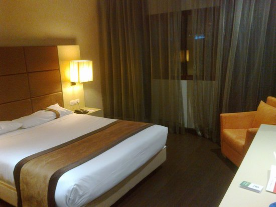 Holiday Inn Madrid - Las Tablas: The room