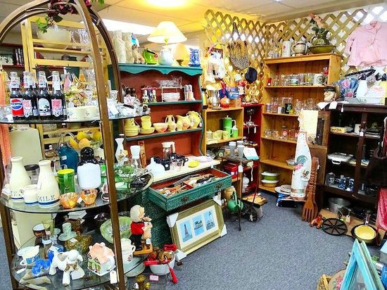 Antiques at Gresham Lake