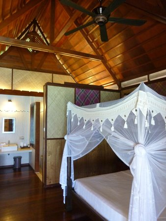 Lankayan Island Dive Resort : room inside