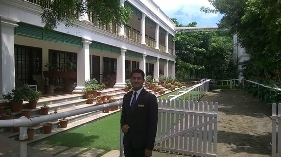Jehan Numa Palace Hotel: The manager Amaar on the mini horse race track next to spa and pool.