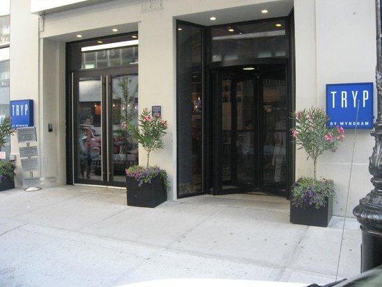 TRYP New York City Times Square South : Entrada