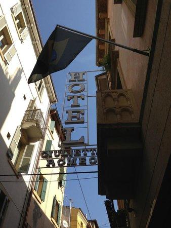 Giulietta e Romeo Hotel: вывеска отеля