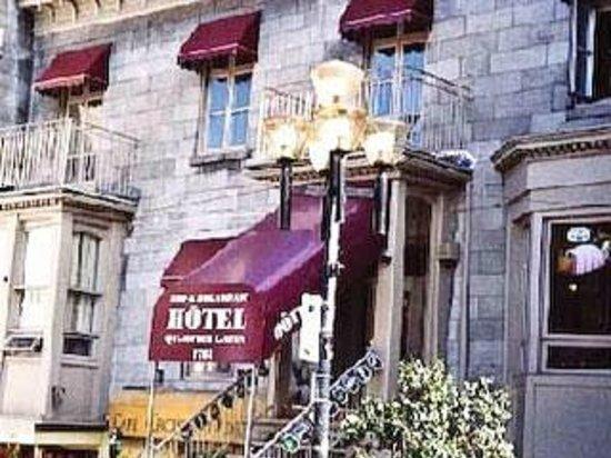 هوتل كوارتير لاتين مونتريال: our room was top left, #301
