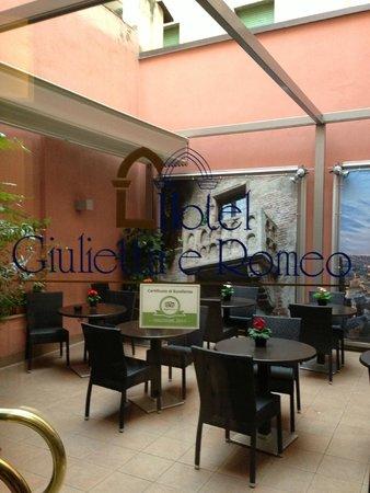 Giulietta e Romeo Hotel: кафе