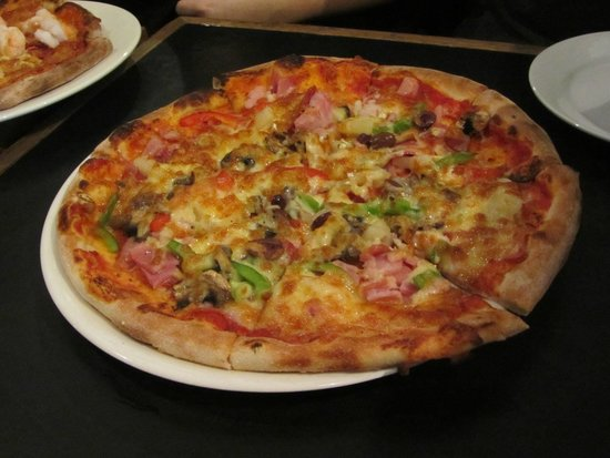 Pizzaca Caffe: pizza 1