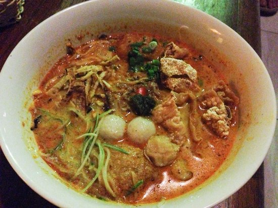 Calanthe Art Cafe: This was how my nyonya laksa was served. A little messy and unappetizing. Wished they could've s
