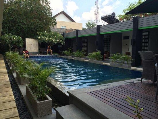 Griya Asri Hotel : Pool