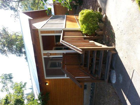 Coho Cottages: Outside
