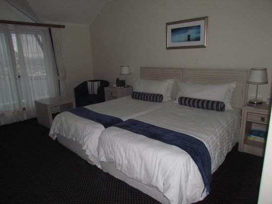 Simon's Town Quayside Hotel and Conference Centre: Zimmer