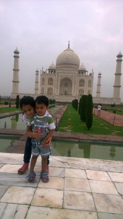 Rajasthan Four Wheel Drive Pvt. Ltd.: At The Taj.