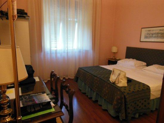 STANZA HOTEL REX