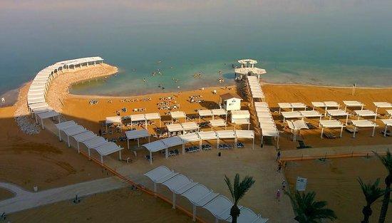 Crowne Plaza Dead Sea: Beach area