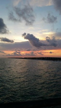 Okaloosa Island Pier: beautiful sunset from the pier