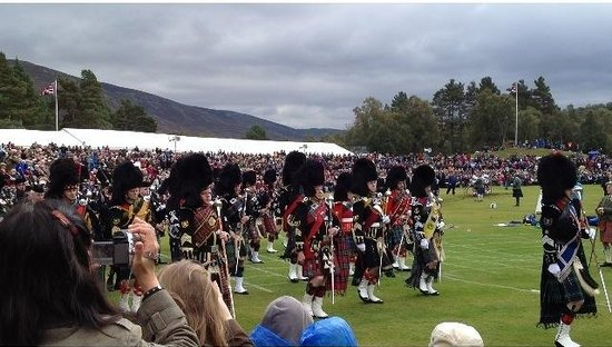 The Braemar Gathering: Eleven mass bands