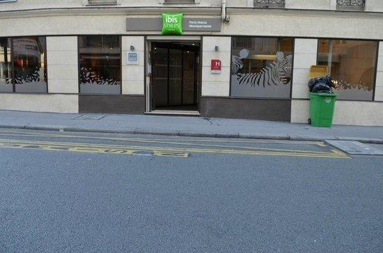 Hôtel Ibis Styles Paris Alesia Montparnasse : Enterance