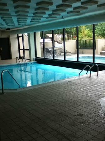 Drury Inn & Suites Atlanta Northwest: Indoor Outdoor Pool