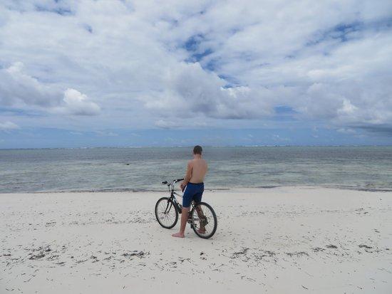 Breezes Beach Club & Spa, Zanzibar: perfect beachfront location...restaurant is just steps away from the sugar white sandy beach