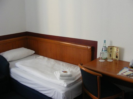 Novum Hotel Aldea Berlin Zentrum: Third bed