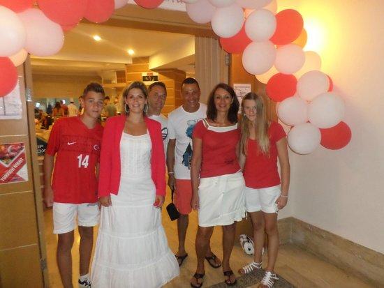 Ersan Resort & Spa: nous le jour de la fête nationnale en rouge