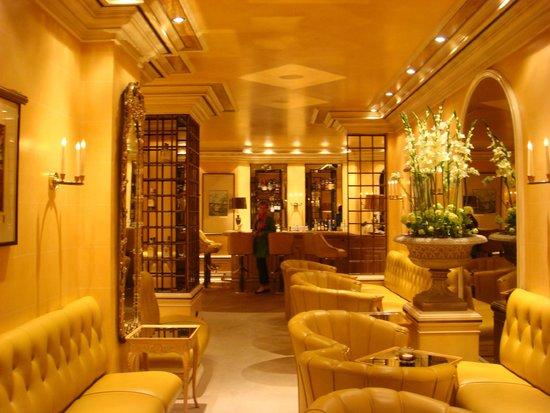 Hotel Koenigshof: Bar area