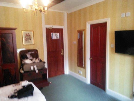 Best Western Red Lion Hotel: Roomy