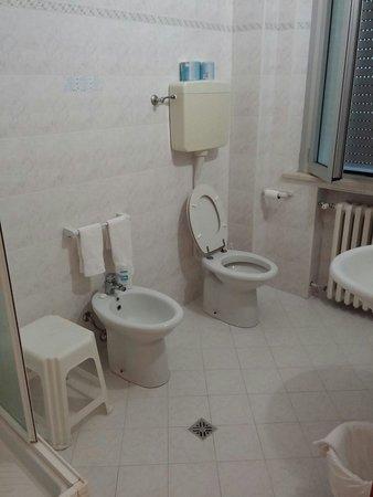 Hotel Letizia: Bagno