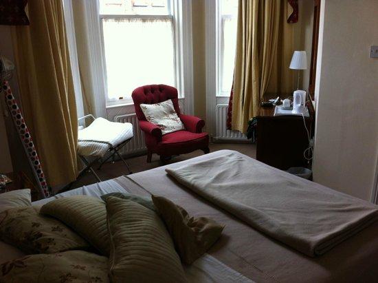 Egans House: Zimmer 27 von der Tür aus