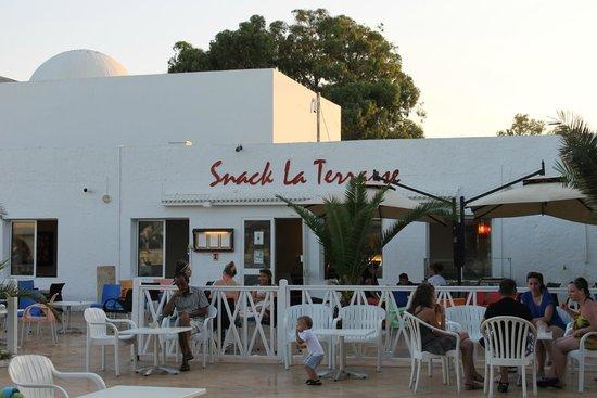 نادي سميرة: snack bar