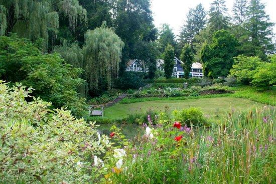Buttermilk Falls Inn & Spa: Beautiful Grounds and Inn