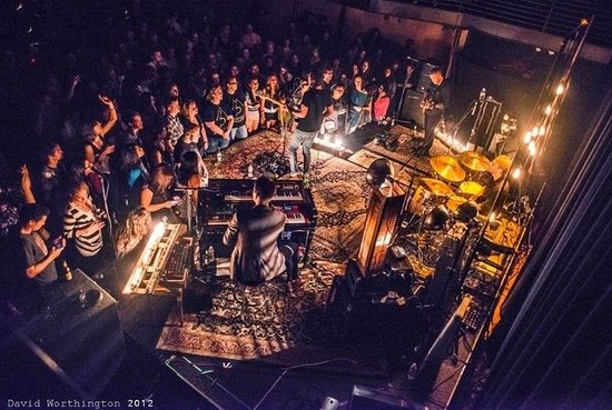 Kessler Theater : Standing room show (photo by David Worthington)