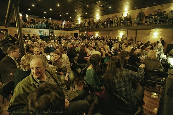 Kessler Theater : Seated show  (photo  by Mike Brooks)