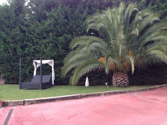 El Raco de Madremanya: Zona de relax frente a la piscina