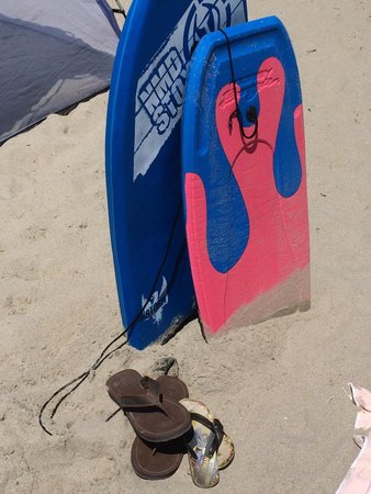 Sea Shore Motel: They will lend you beach towels and boogie boards to go to the beach!