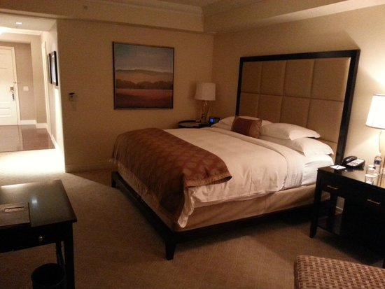 The Ritz-Carlton, Denver : King size bed