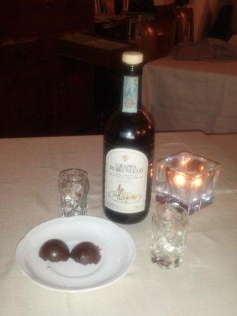 La Botte di Bacco : Grappa di Brunello e dolcetti al cioccolato
