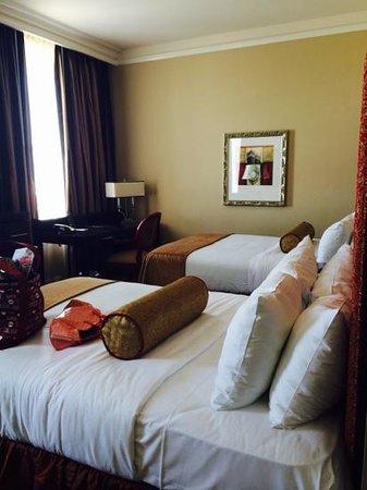 The Skirvin Hilton Oklahoma City: pretty