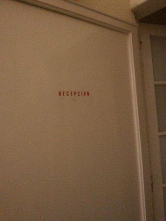 Hostel Muntaner: Recepción